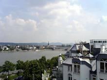 Blick vom Turm über den Rhein